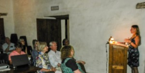 Ms. Cobo Hernando speaking to an interested audience in the Casa comedor. Photo by Alex Grzywacki.