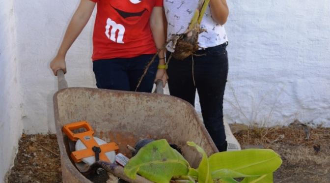 Introducing Neeva and Pica, our New Presidio Heritage Garden Interns!