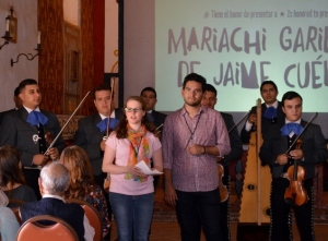 Bea and Hector from Viva El Arte de Santa Barbara introduce Mariachi Garibaldi de Jaime Cuellar. Photo by Mike Imwalle.